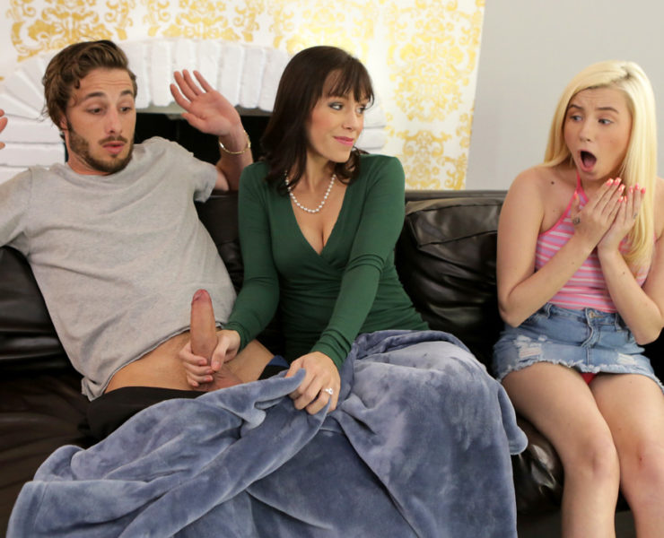 momsteachsex-alana-cruise-carolina-sweets-distracted-by-dick---s10%3Ae10-740x600 Studio